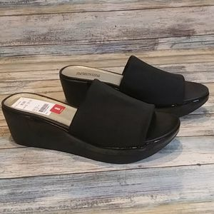 New Kenneth Cole Reaction wedge sandals.